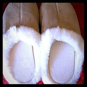 Other - Cozy ladies slippers size large